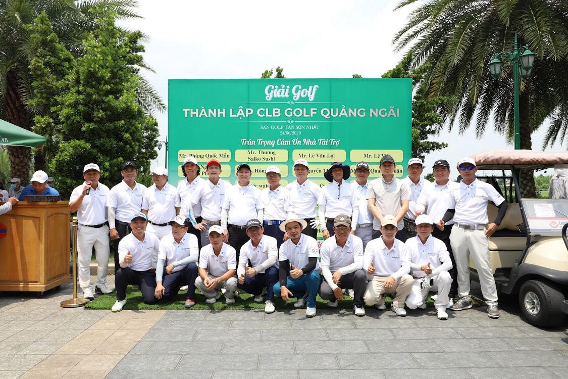 Các Golfer Quảng Ngãi chụp ảnh kỉ niệm