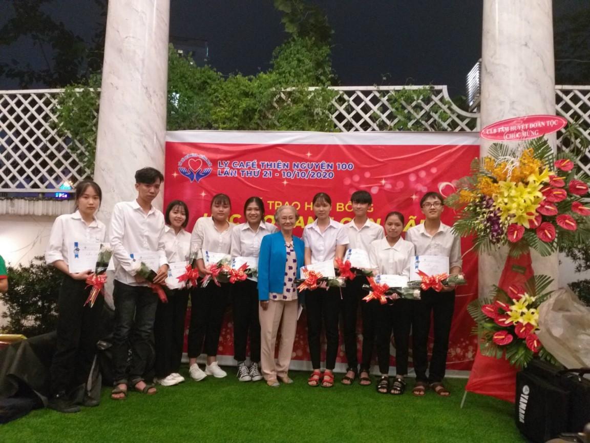 Lễ Trao Học Bổng Ước Mơ Xanh Còn Mãi & Đoàn Thế Vinh 10/10/2020 - CLB Sinh Viên Quảng Ngãi tại TpHCM